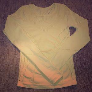 Alo Yoga Lark Long Sleeve Top size Small